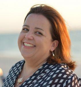 Headshot of Eloisa Raffel smiling
